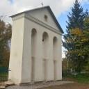 Dzwonnica w Pomorzanach po renowacji